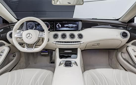 Mercedes-Benz interior innovador