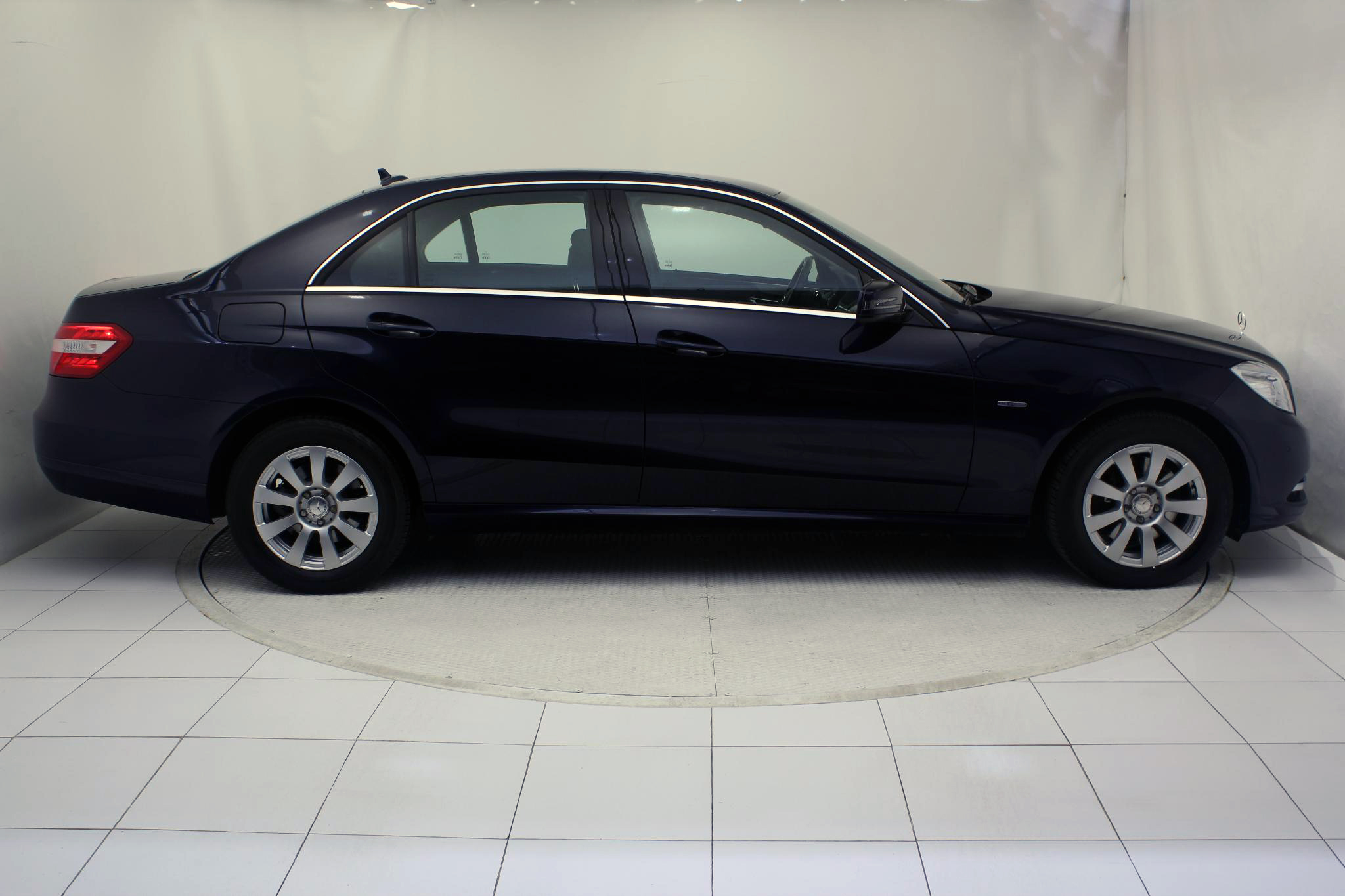 Mercedes-Benz Clase E CLASE E 250 CDI BLUE EFFICIENCY AUTO imagen 4