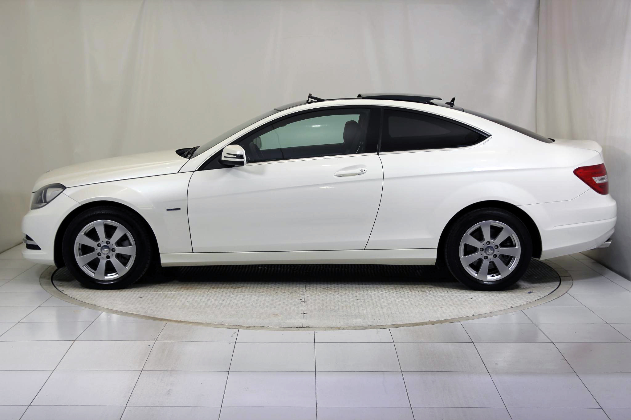 Mercedes-Benz Clase C CLASE C COUPE 220 CDI BLUE EFFICIENCY imagen 9