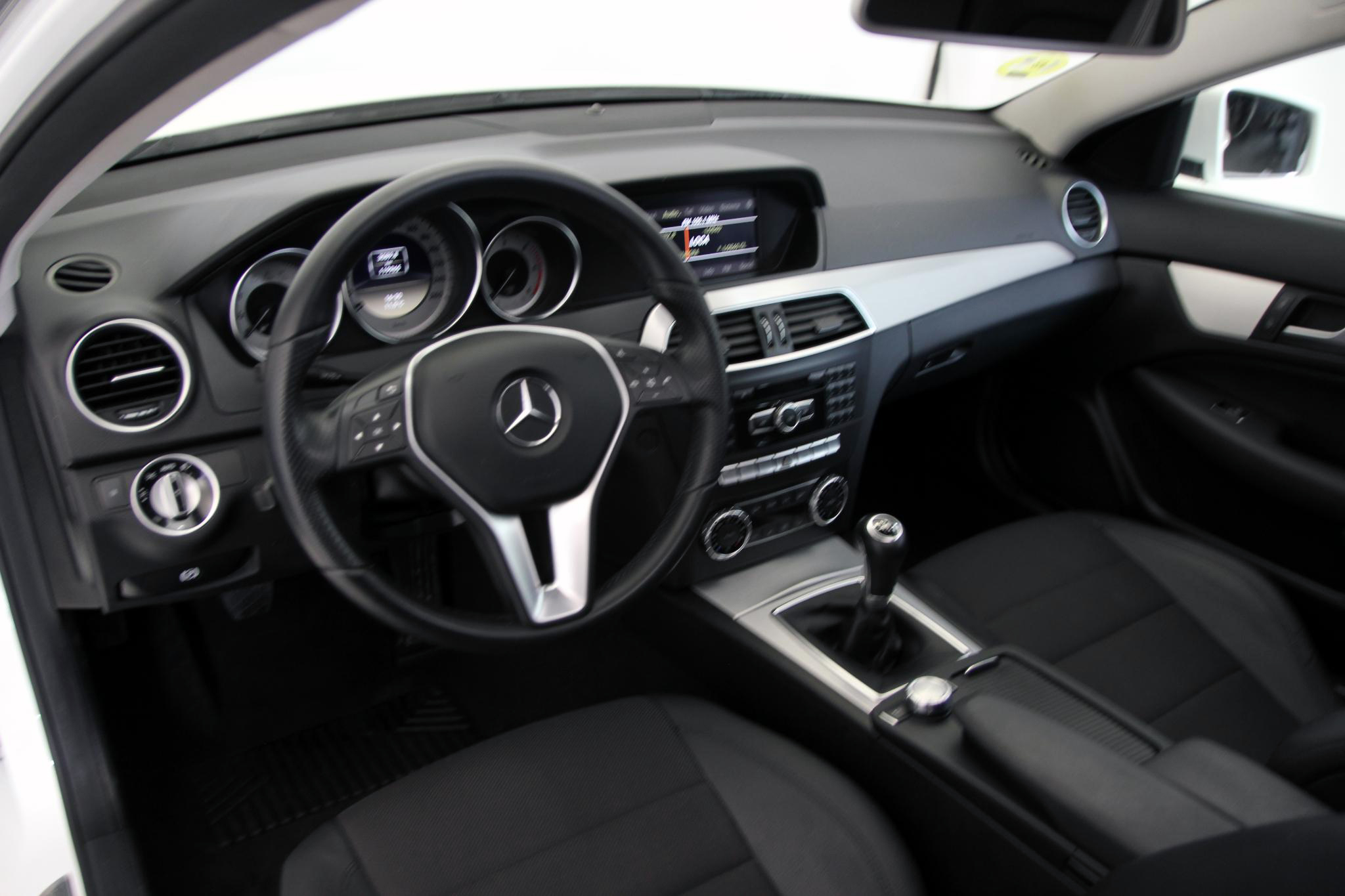 Mercedes-Benz Clase C CLASE C COUPE 220 CDI BLUE EFFICIENCY imagen 19